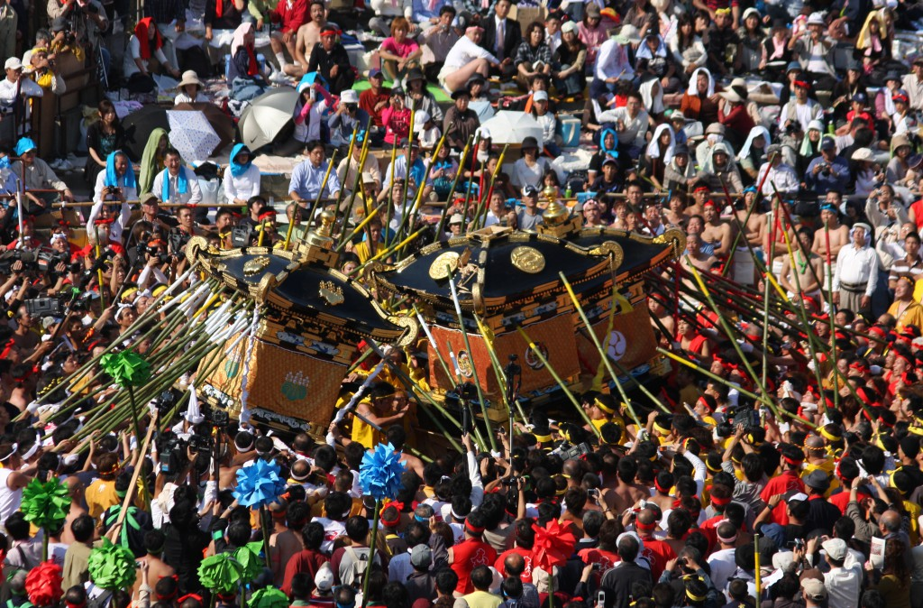 Nada Kenka Matsuri (Fighting Festival), the battle of the strongest!