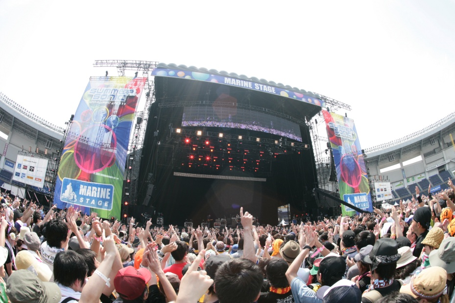 Lose Control . . . and Go Wild in SUMMER SONIC!
