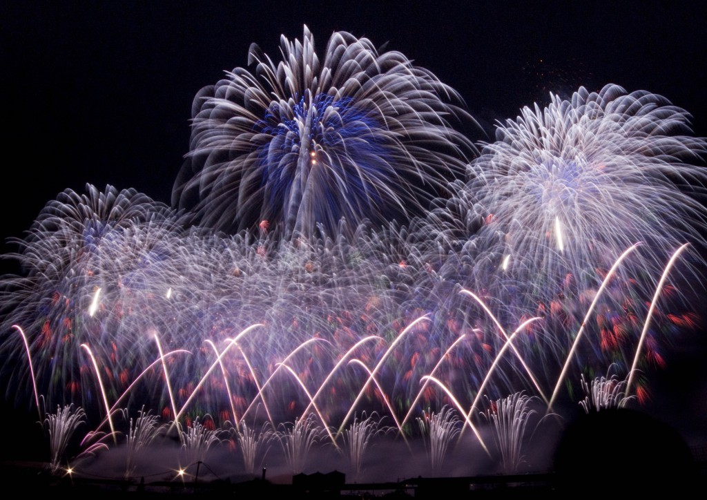 The Birth of Original Firework, the Battle of Firework Makers in Tsuchiura All Japan Fireworks Competition!