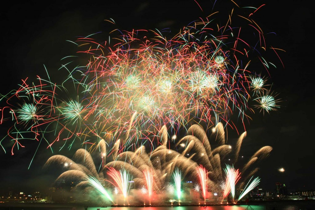 Dance of Blazing Flowers! Musical Firework in Naniwa Yodogawa Fireworks Festival!